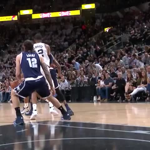 Vine by San Antonio Spurs - 🖐🏾🏀💥
