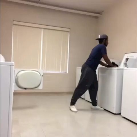 Vine by RonnyFrias - How Dancers Do Laundry.. 😂 #TeamRG #DopeDance #bdas  #DANCERevines