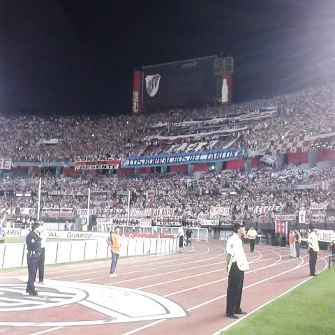 River Plate Oficials post on Vine - El Monumental, repleto alentando al Más Grande: - River Plate Oficials post on Vine