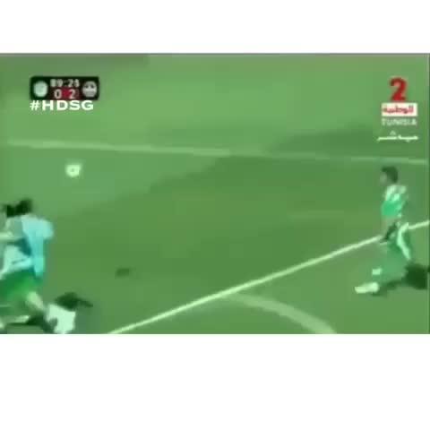 HD Soccer Goals™s post on Vine - Foul? Doesnt even matter he still manages to score😂👏 #soccer #football #strangewaytoscore #skill #goal #snoopdogg #hdsg - HD Soccer Goalss post on Vine