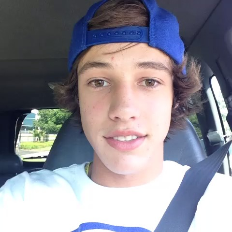 Cameron Dallass post on Vine - Saying hi to people - Cameron Dallass post on Vine