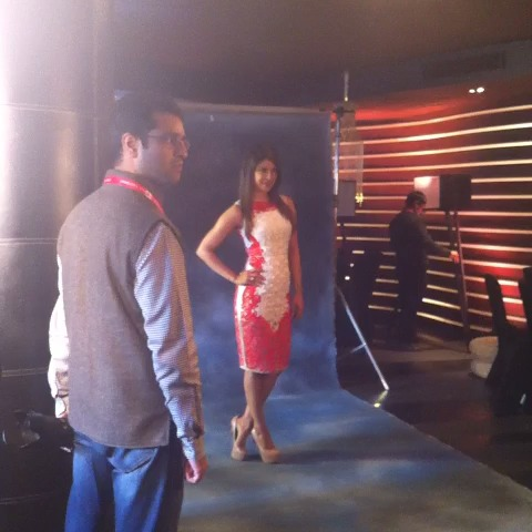 @priyankachopra poses for cameras at #AgendaAajTak - India Todays post on Vine