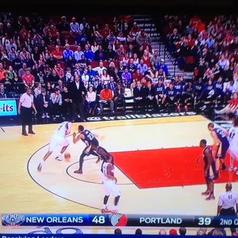 Another angle on Anthony Davis. - Michael Gallaghers post on Vine