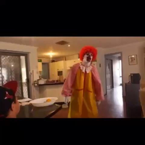 Vine by You Follow - I Follow Back - Ronald McDonald is a mad man!! #mad #crazy #ronald #mcdonalds #mc