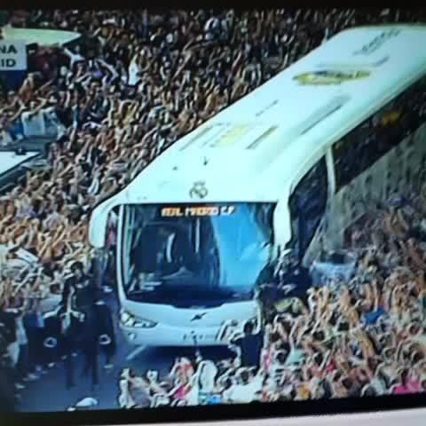 Pelos de punta. Esto es el Real Madrid. - @diariobernabeus post on Vine