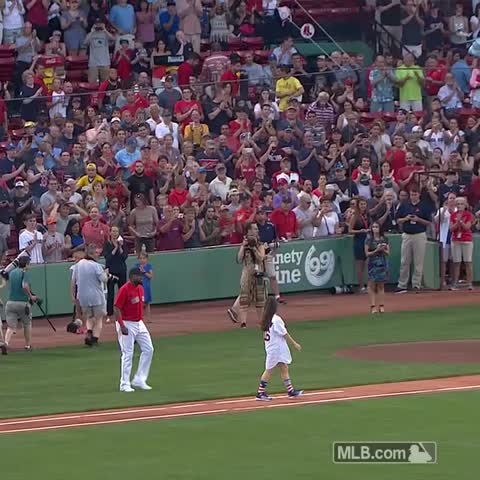 Vine by Boston Red Sox - As if Papi needs more bling! 🏅