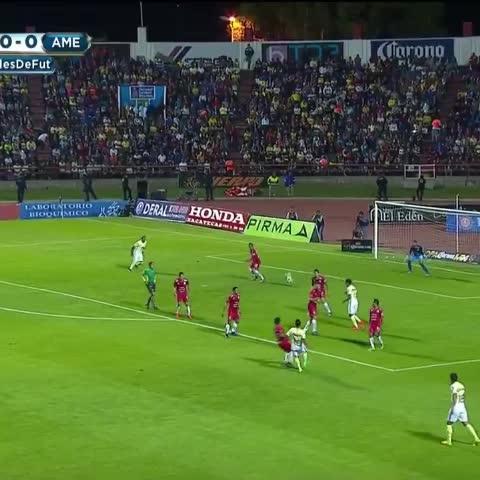 Vine by Somos América - El golazo impresionante de Michael Arroyo. Grande Gambetita. 💛💙⚽🐥