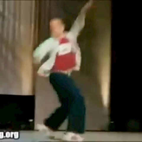 Funnies & Failss post on Vine - Fancy dance moves. Lol revine, like and follow for more #funnies&#fails posted daily!!! - Funnies & Failss post on Vine
