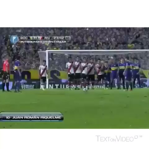 True Soccer®s post on Vine - Amazing freekick from Juan Román Riquelme.                  #riquelme #bocajr #river #legend #argentina #freekick #master - True Soccer®s post on Vine