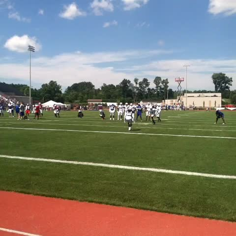 Dan Moriartys post on Vine - #Bills WR Sammy Watkins beats CB Stephon Gilmore to the inside during 1 on 1s. #BillsCamp - Dan Moriartys post on Vine