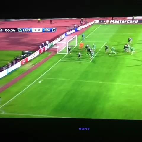 Real Madrid Unido™s post on Vine - Gol del Ludogorets, 1-0. - Real Madrid Unido™s post on Vine