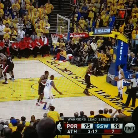 Vine by BBALLBREAKDOWN - Aminu couldnt have been in worse position if he tried. Draymond YAM