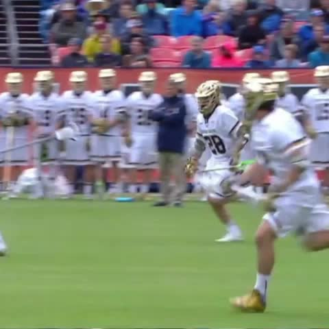 Vine by ESPNU/IL Film - Conor Doyle runs out of the box, dodges and gives Sergio Perkovic time and room