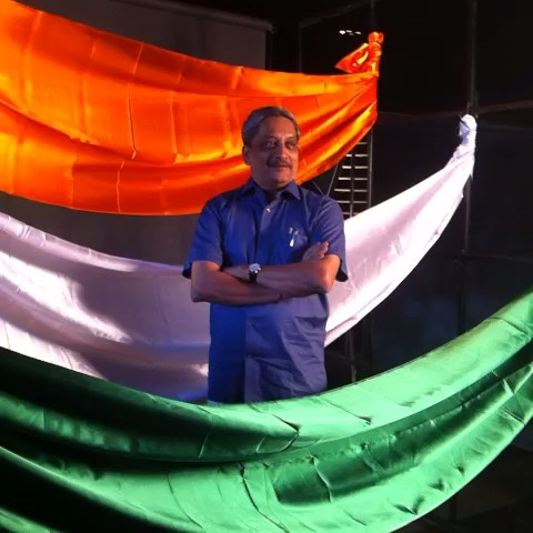 #Goa CM Manohar Parrikar poses for the cameras backstage at #AgendaAajTak - India Todays post on Vine