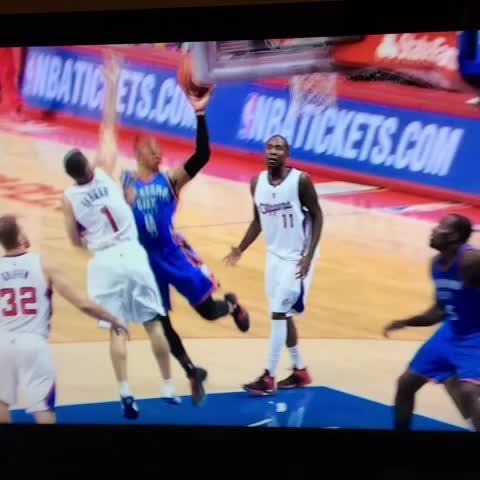 Heres the injury for Russell Westbrook. Looks like a right hand - Anthony Slaters post on Vine