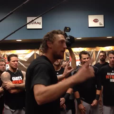 """Hunter Pence is Daniel Bryan. """"Yes! Yes! Yes!"""" - Jeff Passans post on Vine"""