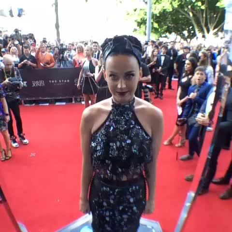 Superstar @katyperry takes a turn on the Vine 360 #ARIAs - ARIAs post on Vine