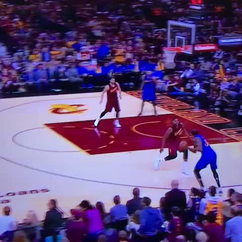 2e22c918f422 LeBron James and Kevin Durant trade monster dunks (Video)