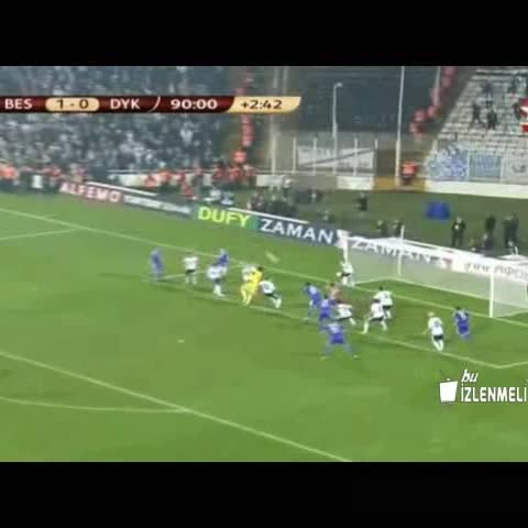 Vine by Bu İzlenmeli - Beşiktaş - Dinamo Kiev Efsane Karambol #VurPençeniAvrupaya