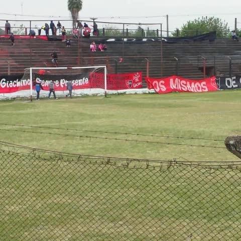 Vine by Arenga Deportiva - 📹 | Pedro Rioja y sus ayudantes pisan el campo de juego de #Amalia. #FederalB ⚽