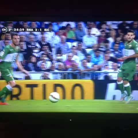 @RoCuDaNs post on Vine - Penalti para el R.Madrid...me estoy empezando a cansar de escribir esto (ya lo hago sin mirar) - @RoCuDaNs post on Vine