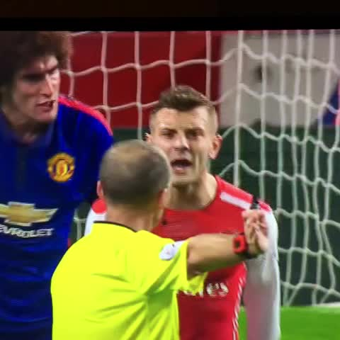 Should have been red there #JackWilshere #fellaini #arsenal #manutd - Bovs post on Vine