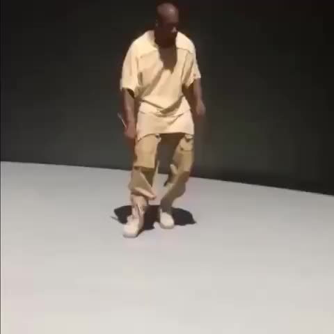 Kanye dancing to cumbia - Vine by She Wants The Chorizo - Kanye dancing to cumbia