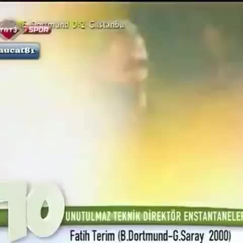 2000 yılında oynanan Dortmund maçında Fatih Terimin golün sevinciyle Müfit Erkasapa tokat atması çok konuşulmuştu. - Galatasaray Statss post on Vine