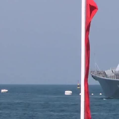 Watch Russia Today S Vine Quot Rocket Crashes During Naval