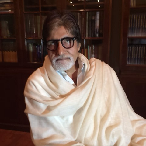 Election Expresss post on Vine - We caught up with @srbachchan and he has a message for you. :) - Election Expresss post on Vine