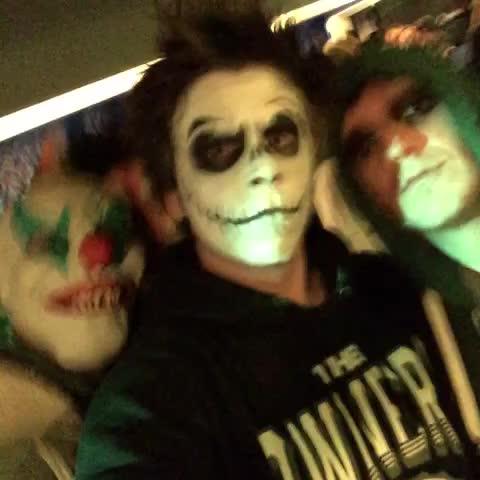 elrubiuss post on Vine - Halloween Party Bitchez - elrubiuss post on Vine