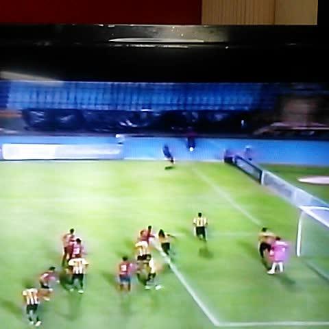 #CCL Grandee Titiman! Golazo a pase de Diego De Souza!!! pone el #Municipal 2-0 #RealEspaña - PASIÓN PENTA ROJAs post on Vine
