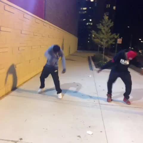 #bobbybish ???? make that body flip!! #whipdance #WhipDanceTakeover Dame Dash Jr, Bobby Shmurda - Simon Samuelss post on Vine