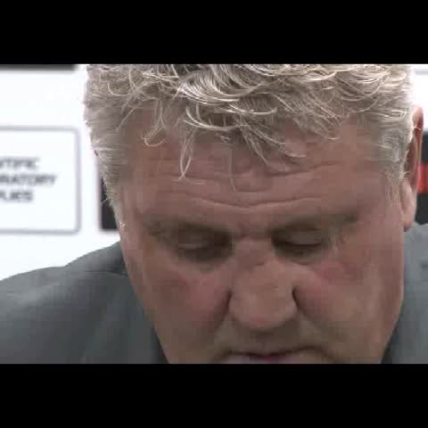Vine by Rich McCarthy - The face says it all for Steve Bruce.  #hcafc @pressassoc @PA_dugout