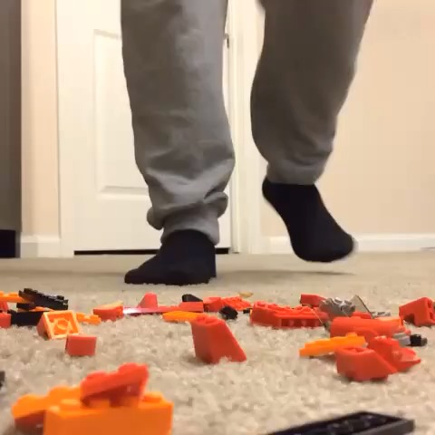 Jerry Purpdranks post on Vine - How it really feels when stepping on a Lego w/Anwar Jibawi - Jerry Purpdranks post on Vine