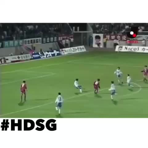 HD Soccer Goals™s post on Vine - All the 5 players shouldve retired right after that amazing golazo😤 #soccer #golazo #flickups #skills #retirementinneed #nasty #hd #HDSG🔥 - HD Soccer Goals™s post on Vine