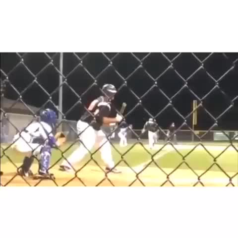 Unstoppable Sportss post on Vine - Baseball trick squeeze play for the win #UnstoppableSports - Unstoppable Sportss post on Vine