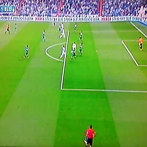 Gol de Cristiano al 31 para el 3-1 sobre el Elche @elgraficionado - Elisa Hdez. Linaress post on Vine