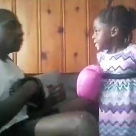 50ShadesOfGheys post on Vine - Lil Mama got them HANDS‼️👊💢💥Tag a viner youd sock a bitch for‼️👏👊💢💥 - 50ShadesOfGheys post on Vine