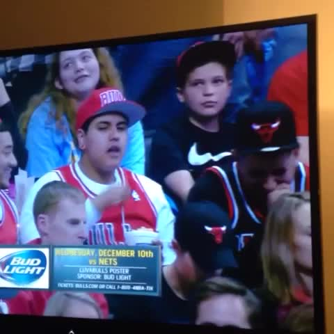 JETSs post on Vine - Savage Bulls fan rips hit on TV - JETSs post on Vine