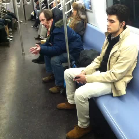 watch sprinkle me 39 s vine my very first nyc subway ride. Black Bedroom Furniture Sets. Home Design Ideas