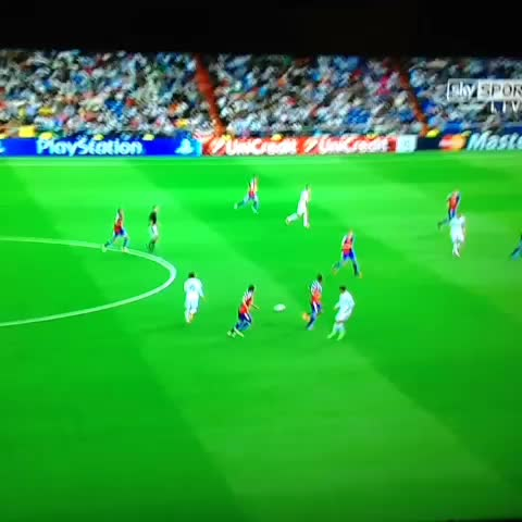 @mellorfootballs post on Vine - Wow, what a goal from Madrid! Modrics pass to Bale is unbelievable😍 - @mellorfootballs post on Vine