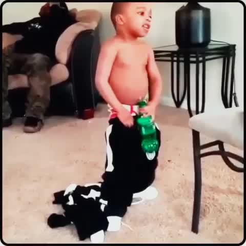 """Thats How You Gon Do Me?!"" #KevinHartsKid #PT2 #ThatsHowYouGonDoMe #ThatsWhatYouGetDummy #Ranked #TonyKhalil #Rising #Based #BlackRanked - Tony Khalil #IceBucketChallenges post on Vine"