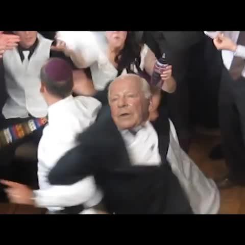 vonstrenginhos post on Vine - Dave Whelan crashing a wedding. By @vonstrenginho - vonstrenginhos post on Vine