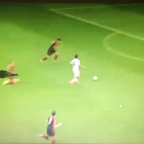 ⚽️Cockney White⚽️s post on Vine - Antenucci makes it two in two against the Dog Botherers today! #LUFC - ⚽️Cockney White⚽️s post on Vine
