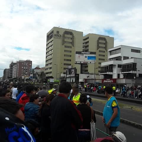 Vine by Julio Clavijo - #PaPaPancho en la #6DeDiciembre  #FranciscoEnEcuador #Quito
