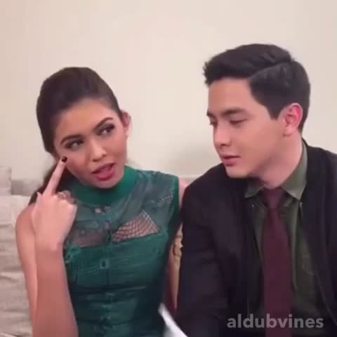 "Vine by ALDUB Vines HD - GMA Network FB LIVE 07/01/16. When he described her as ""sexy."" ???? May pagtingin ulit sa lips after jusko kumokota! ???? #IYAMGrandPresscon"