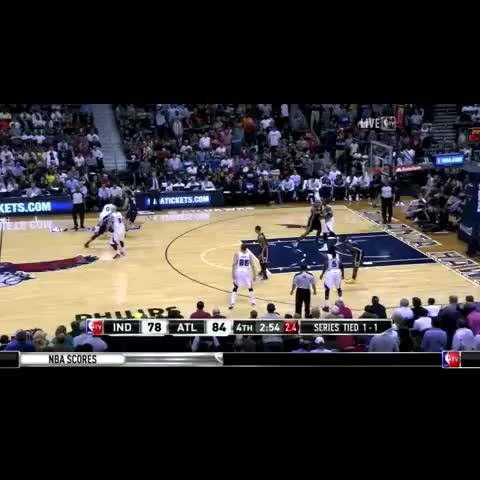 Jeff Teague makes incredible desperation 3 pointer as shot clock expires - Beyond The Buzzers post on Vine