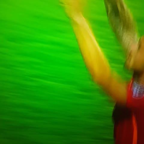 Vine by BAĞIMSIZ GS HABER (@Gshaber24) - Wesley Sneijder Maç Sonu Taraftara 3lü çektirdi.
