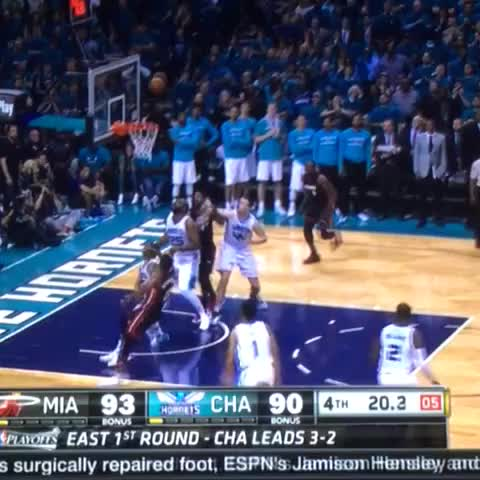 Vine by @World_Wide_Wob - SIT YO ASS DOWN CHARLOTTE SPIKE LEE WANNA BE